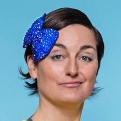 Zoe Lyons Profile